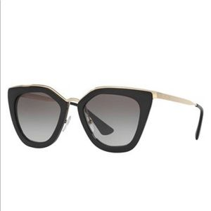Tortoiseshell PRADA sunglasses like new!